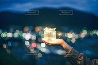 光を閉じ込めての写真・画像素材[4067575]