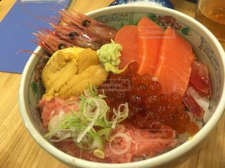 北海道で食べた海鮮丼の写真・画像素材[2382647]