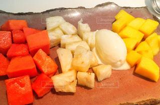 アイス注文でフルーツメインの写真・画像素材[2398321]