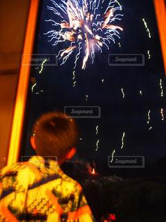 空の花火の写真・画像素材[2458421]