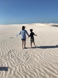 どこまでも続く砂漠の写真・画像素材[2580935]