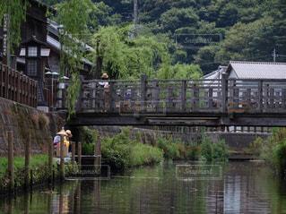 水域に架かる橋の写真・画像素材[2406473]
