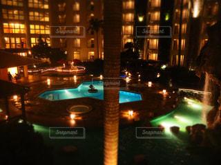 夜の街の眺めの写真・画像素材[2424854]