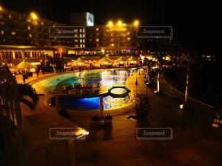 夜の街の眺めの写真・画像素材[2424857]
