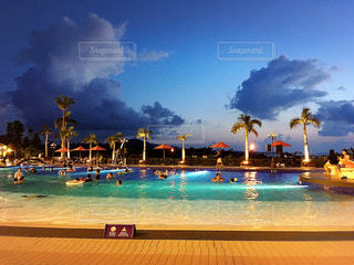 プール,ライトアップ,cloud,summer,okinawa,holiday,Hotel,island,vacation,ナイトプール,palm trees,resort,Night Pool,outside pool