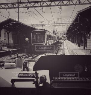 白,駅,電車,黒,レトロ,鉄道,ナチュラル,フィルム,江ノ電,車両,フィルム写真,フィルムフォト,黒と白