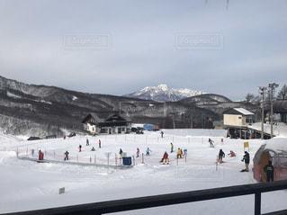 自然,アウトドア,空,スポーツ,雪,屋外,晴れ,雪景色,山,景色,人物,スキー,たくさん,スノボ,ゲレンデ,レジャー,天気,スキー場,スノーボード,斜面