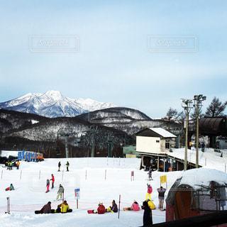自然,風景,アウトドア,空,スポーツ,雪,屋外,晴れ,山,人物,スキー,たくさん,スノボ,ゲレンデ,レジャー,スキー場,スノーボード,斜面