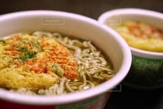 年越しカップ麺(そば)の写真・画像素材[2839148]