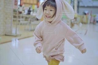走る女の子。の写真・画像素材[3807378]