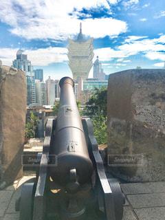 大砲の向こうの写真・画像素材[916309]