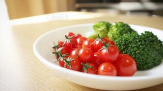 プチトマトとブロッコリーの写真・画像素材[3674050]