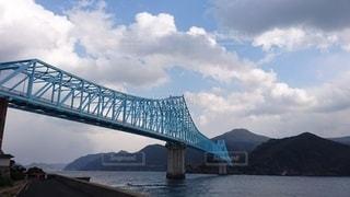 海に架かる橋の写真・画像素材[2426052]