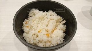 炊き込みご飯の写真・画像素材[2482326]
