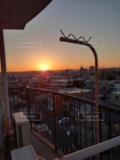 空,建物,冬,朝日,ベランダ,高層ビル,正月,朝,お正月,日の出,明るい,新年,初日の出,東の空