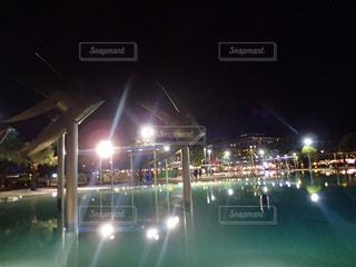 ケアンズの港近くのプールの写真・画像素材[2419572]