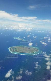石垣島の遠浅の海と空の写真・画像素材[2424088]