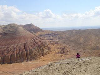 カザフスタンのアクタウ山脈にての写真・画像素材[2608209]
