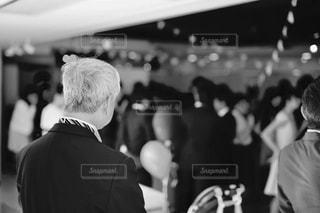 後ろ姿,モノクロ,結婚式,白黒,レトロ,背中,結婚,フィルム,パパ,父,お父さん,フィルム写真,フィルム風,フィルムフォト