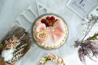 テーブルの上の食べ物の皿の写真・画像素材[2785150]