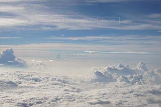空に雲の群しをするの写真・画像素材[2413461]