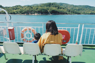 親子で船旅の写真・画像素材[1584133]