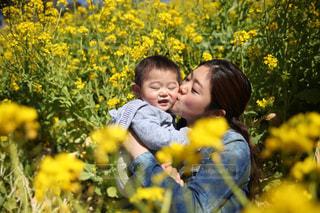 春,黄色,菜の花,キス,赤ちゃん,幸せ,イエロー,ベビー,お出かけ,子連れ
