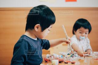 2人,絵,子供,ペン,お絵描き,色,紙,筆,おえかき,集中,絵具,おうち遊び,おうち時間