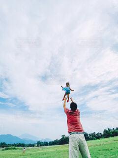 空へジャーンプの写真・画像素材[4501681]