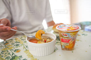 食べ物,朝食,屋内,フルーツ,果物,朝ごはん,楽しい時間,フルーツカップ