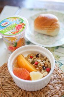 食べ物,朝食,フルーツ,果物,おやつ,朝ごはん,贅沢,楽しい時間,自分時間,フルーツカップ
