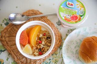 食べ物,朝食,フルーツ,果物,皿,朝ごはん,楽しい時間,フルーツカップ