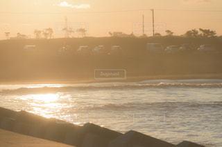 風景,海,空,夕日,屋外,太陽,ビーチ,砂浜,夕焼け,夕暮れ,水面,海岸,景色,オレンジ,レトロ,夕陽,フィルム,夕やけ,雰囲気,ゆうやけ,自然光,フィルム写真,優空,夏のおわり,フィルムフォト