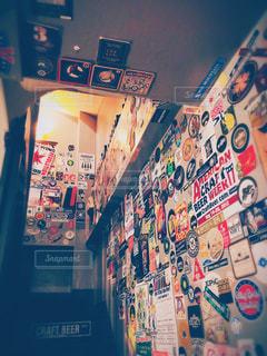 屋内,カラフル,フィルム,雰囲気,カラー,クラフトビール,コースター,フィルム写真,ピザ,シカゴピザ,フィルムフォト