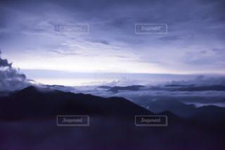 山頂の雲海の写真・画像素材[2412485]