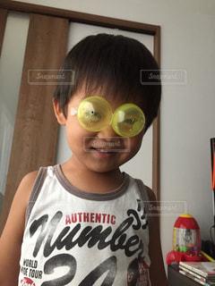 ファッション,アクセサリー,黄色,室内,眼鏡,ガチャガチャ,手作り,男の子,5歳,おしゃれ,カプセル,メガネ