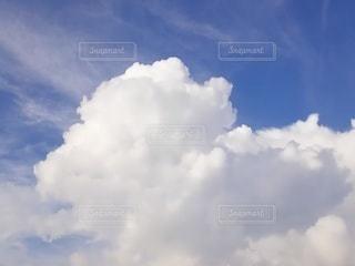 青空の雲の写真・画像素材[2421229]