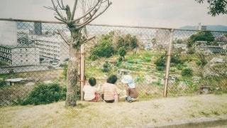 春の日。お友達と公園で。の写真・画像素材[2432834]