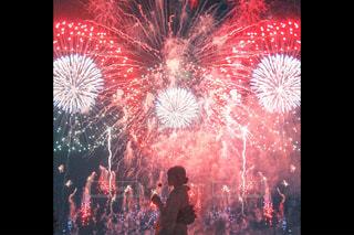 空の花火の写真・画像素材[2464549]