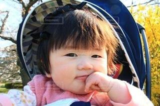 赤ん坊のクローズアップの写真・画像素材[4275707]