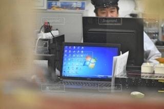 屋内,駅,mac,ビジネス,ホーム,一眼レフ,ステーション,コンピューター,photo,テキスト,リモートワーク,ノート パソコン,ビジネスシーン