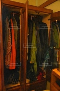 家具でいっぱいの部屋の写真・画像素材[2726737]