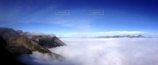 果てしなく広がる雲海の写真・画像素材[2423236]