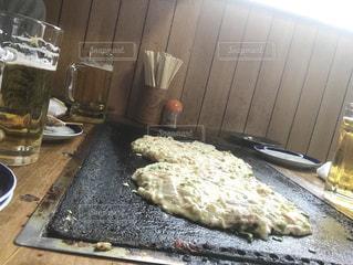 グラス,ビール,乾杯,ドリンク,お好み焼き,鉄板焼き,昔ながら,生地,麦酒
