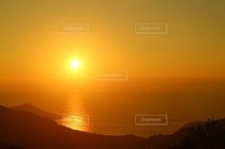 海と夕陽の写真・画像素材[2630157]