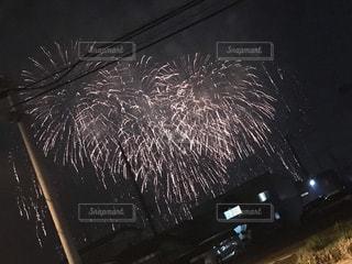 夜空の花火の写真・画像素材[2432936]
