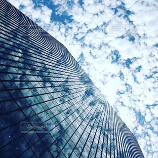 雲ビルの写真・画像素材[2437667]