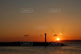 夕焼け雲の写真・画像素材[2473898]