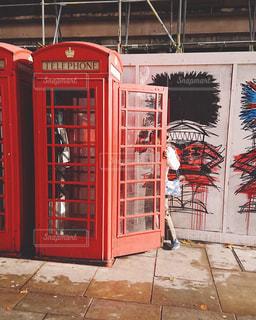 女性,レトロ,人物,イギリス,ロンドン,フィルム,街中,雰囲気,カラー,フィルム写真,フィルムフォト,電話BOX