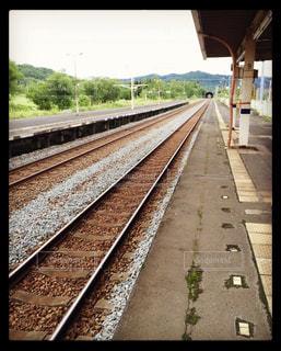 空,屋外,駅,北海道,田舎,景色,旅行,旅,列車,鉄道,フィルム,無人,ホーム,景観,レール,フィルム写真,無人駅,フィルムフォト